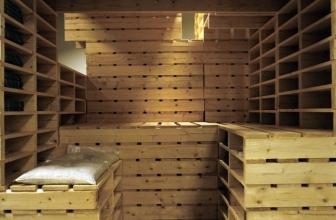 Pourquoi pas un sauna en palette pour sublimer votre piscine ?